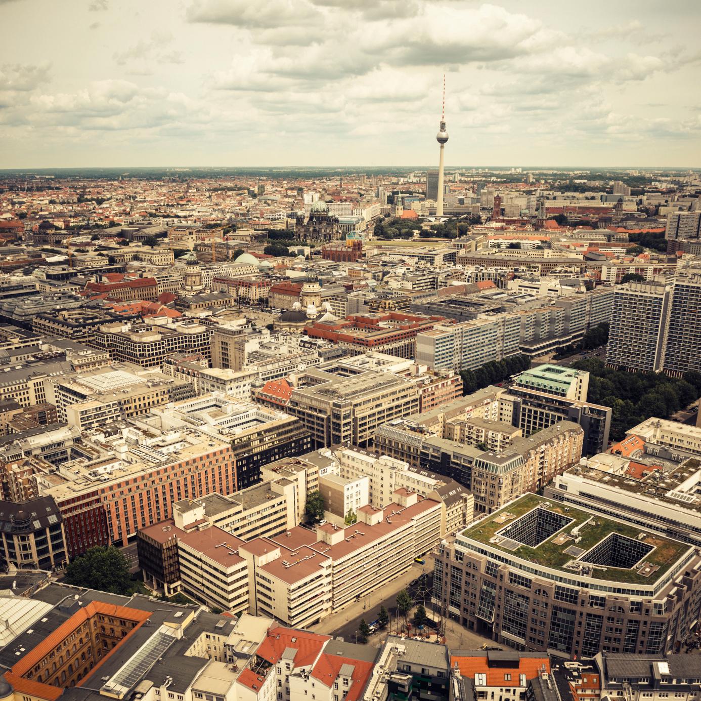 Bild von Skyline von Berlin auf der Website von Berlin Energie; Quelle: istock/franckreporter